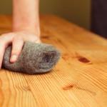 W jaki sposób szlifować drewniane podłogi?